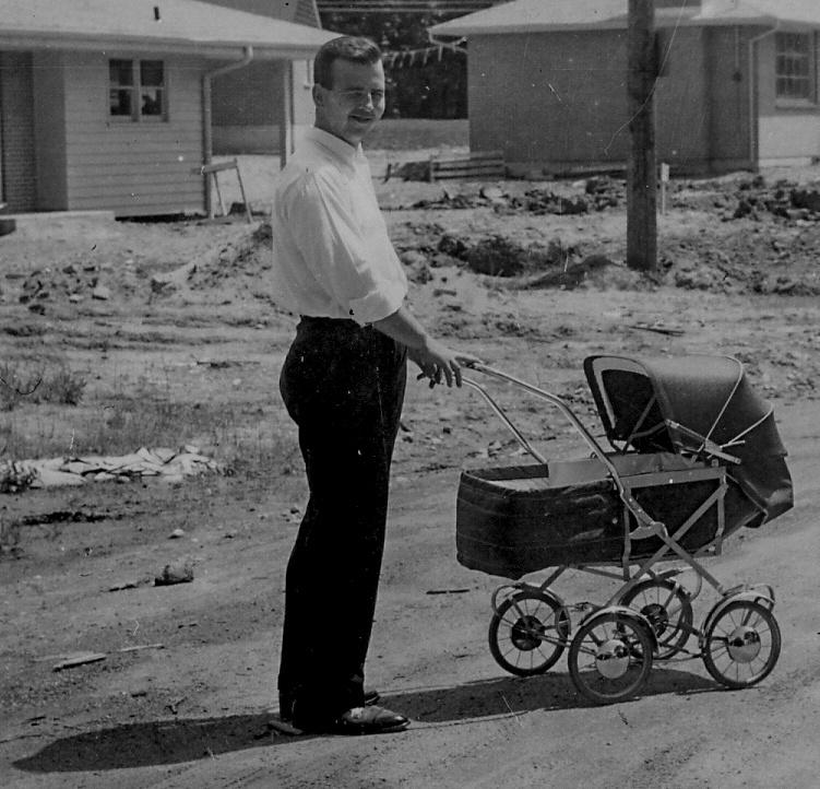 --1956 - Sunday afternoon stroll